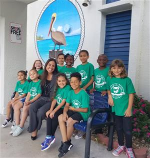 Mrs. Wagner and students from Pembroke Lakes