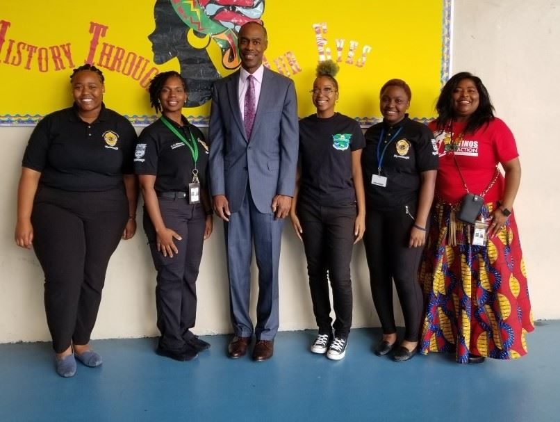 Criminal Justice Students with Superintendent Runcie